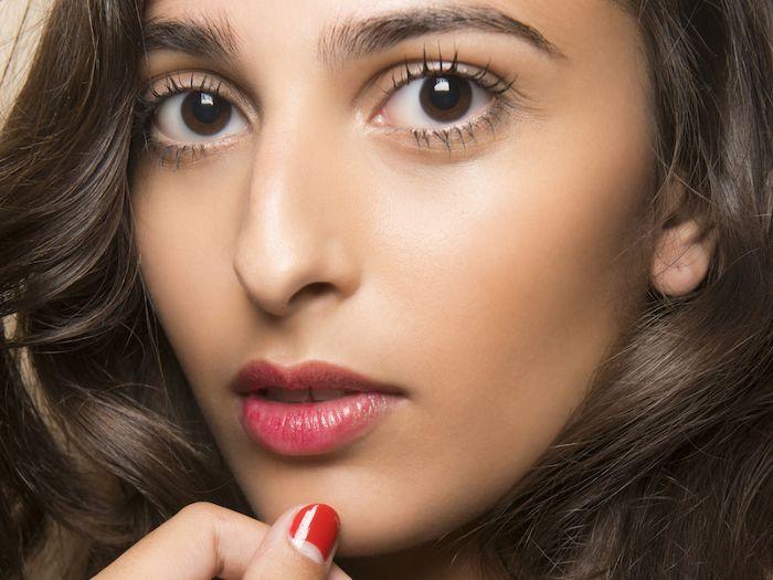محلول برای جلوگیری از آلرژی لاک ناخن در آرایشی بیست