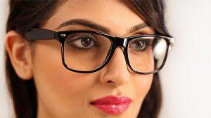 آرایش مناسب عینکی ها