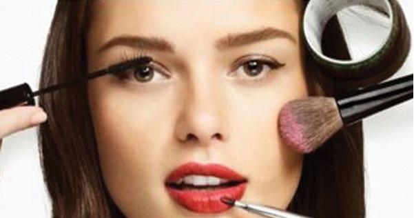 امارات بیوتی آرایشی بیست ۲۰۲۰ خط چشم