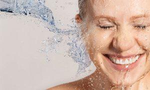 ترفند های آرایشی بیست برای آبرسانی به پوست
