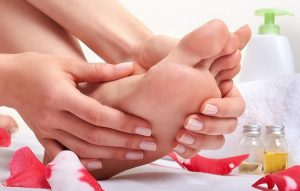 درمان ترک پاشنه پا در آرایشی بیست