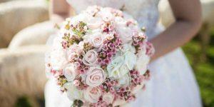 راهنمای آرایشی بیست در انتخاب دسته گل عروس
