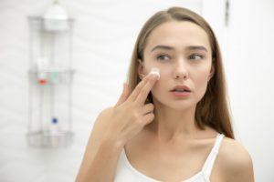همه چیز در مورد ضد آفتابها در آرایشی بیست